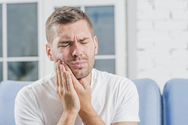 bolest zubov